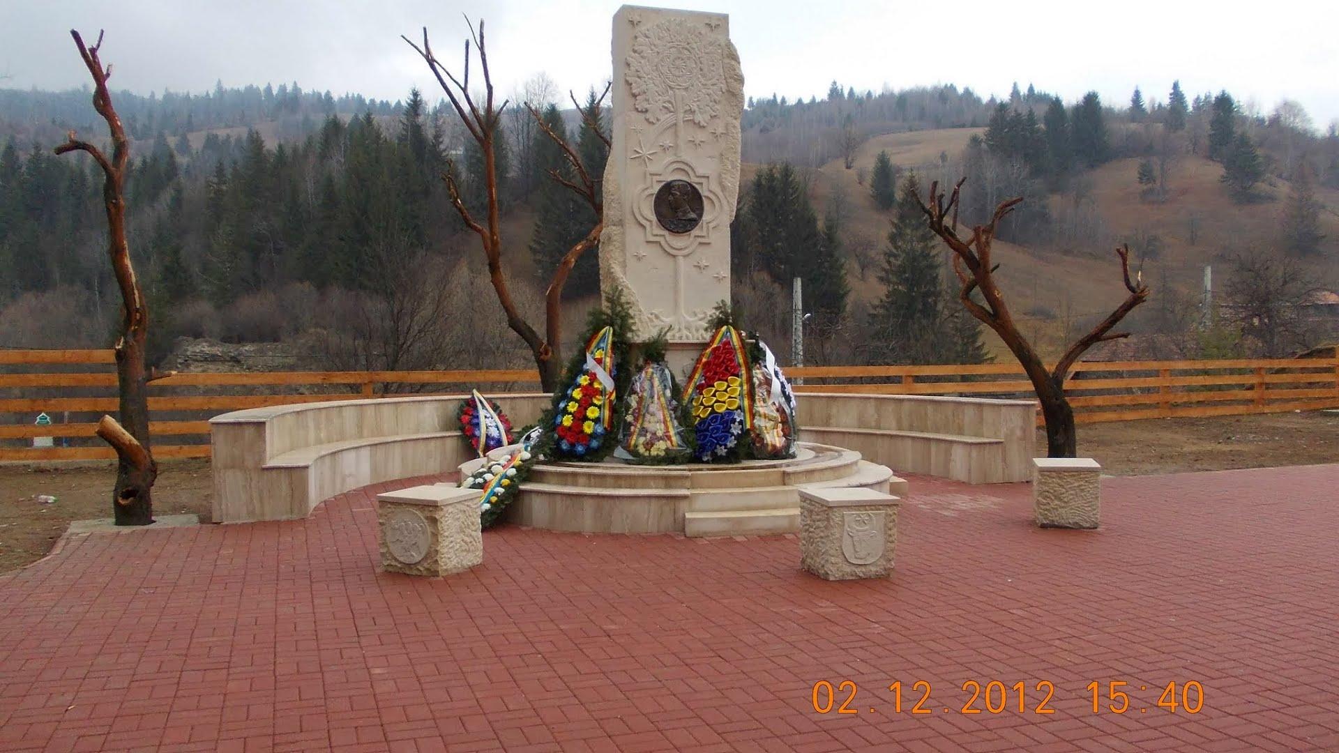 Monumentul din 2012